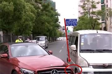 33万奔跑C级被五菱撞了看到两车距离那一刻才知北京奔跑质量